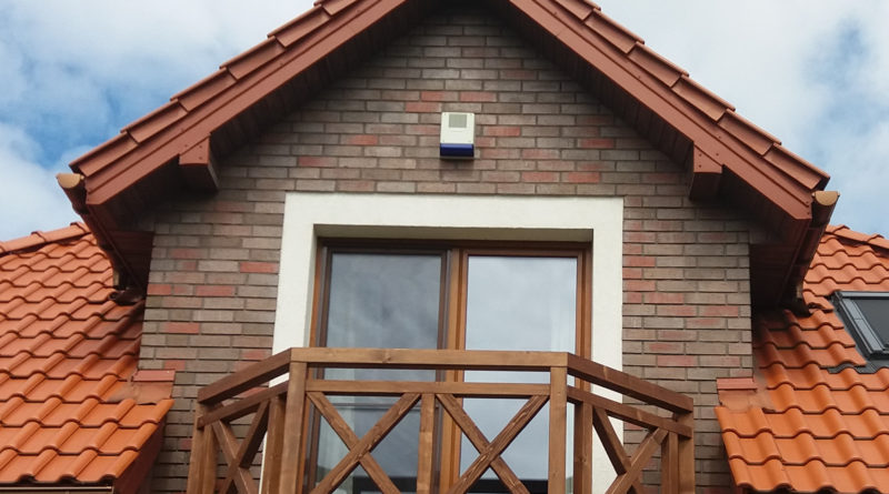 Barierka w kształcie trapezu na balkon