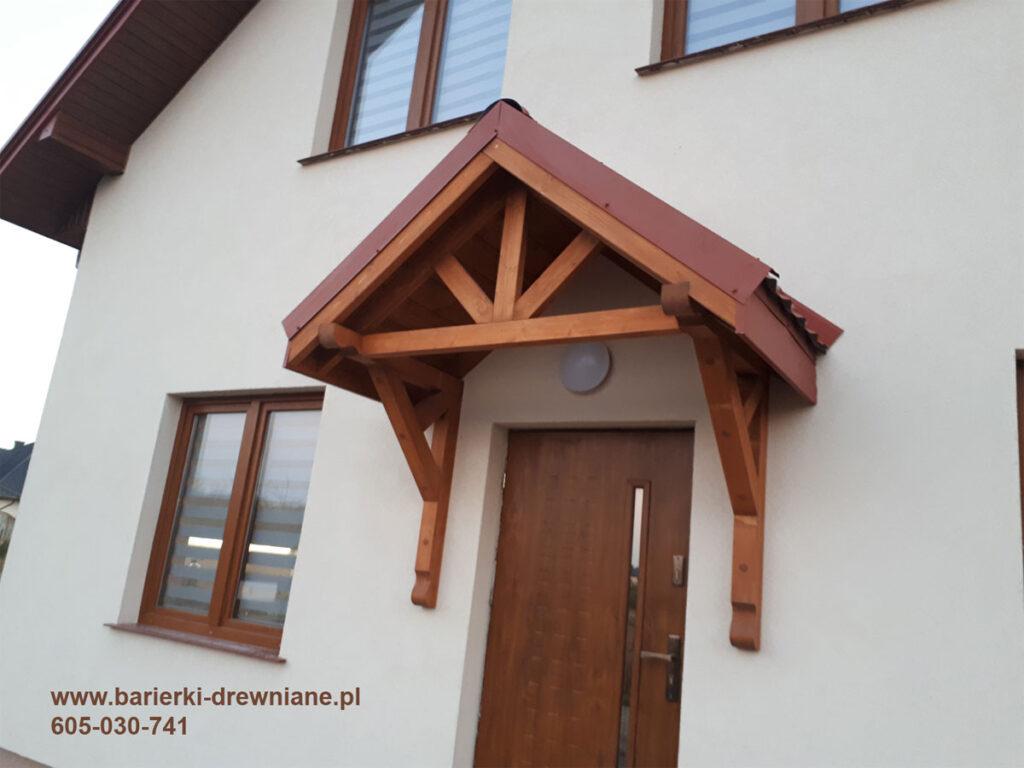 Daszek nad drzwi
